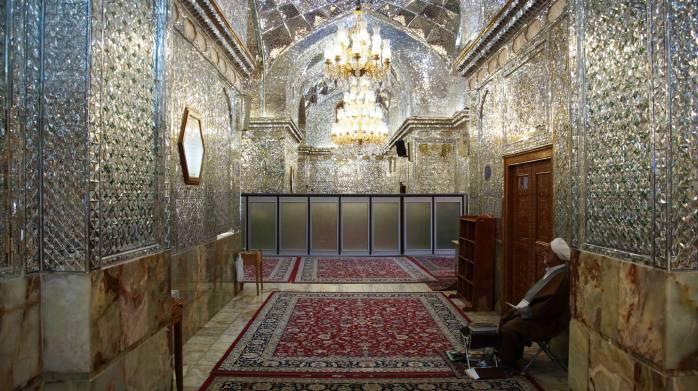w meczecie Shah-e-Cheragh