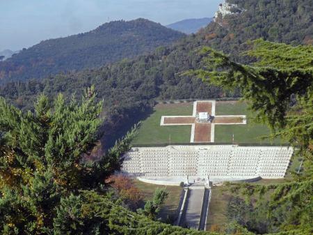 Cmentarz Monte Cassino widok z klasztoru